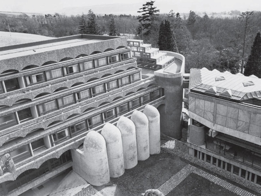 View in 1967 with the stepped cell-blocks on the left, which sit over the main body of the chapel: its focus a light-drenched high altar sitting under the ziggurrated glass roof lantern to the right. (Photo: GKC archive)