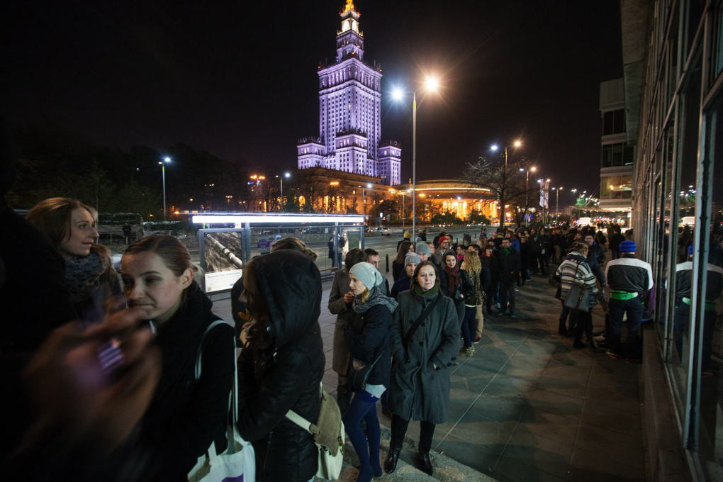 Long queues formed in front of Emilia at the grand opening of its new home in October 2012. (Photo: Bartosz Stawiarski)