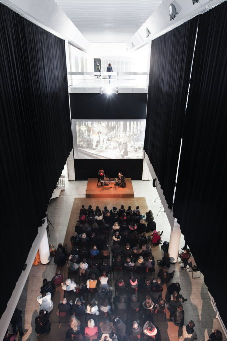 Emilia's central atrium is used for concerts, discussion panels or lectures like this one by Japanese illustrator Yuko Shimizu in 2012. (Photo: Bartek Stawiarski)