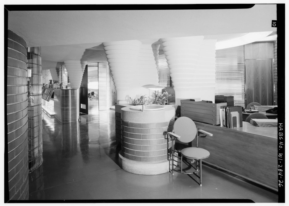 Third floor reception area with Wright's three-legged chairs. The chairs had to be replaced because people kept falling off them (something Wright only acknowledged when he did the same). (Courtesy of the Library of Congress)