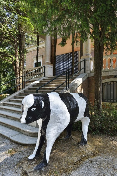 The cows are 1978 works by artist Liz Leyh, and seem to epitomise the unreal rural ideal for many in the UK. (Photo: Cristiano Corte / British Council)