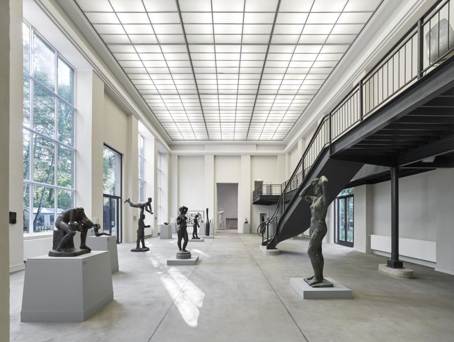 The Kunsthaus focuses its programme on postwar modernist art: presently with a show of Berlin sculpture from the 1945 to 1955.