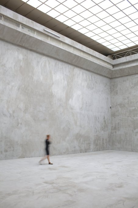 The scale of the galleries seemed to increase through their emptiness. (Photo: Krzysztof Pijarski, courtesy Zach?ta)