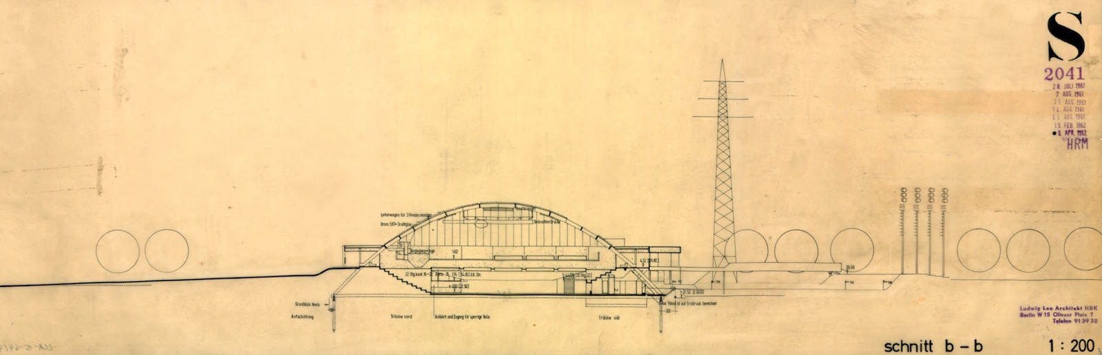 A section through the Charlottenburg Sports Hall. (Section drawing: Ludwig-Leo-Archiv in der Akademie der Künste, Berlin © Morag Leo)