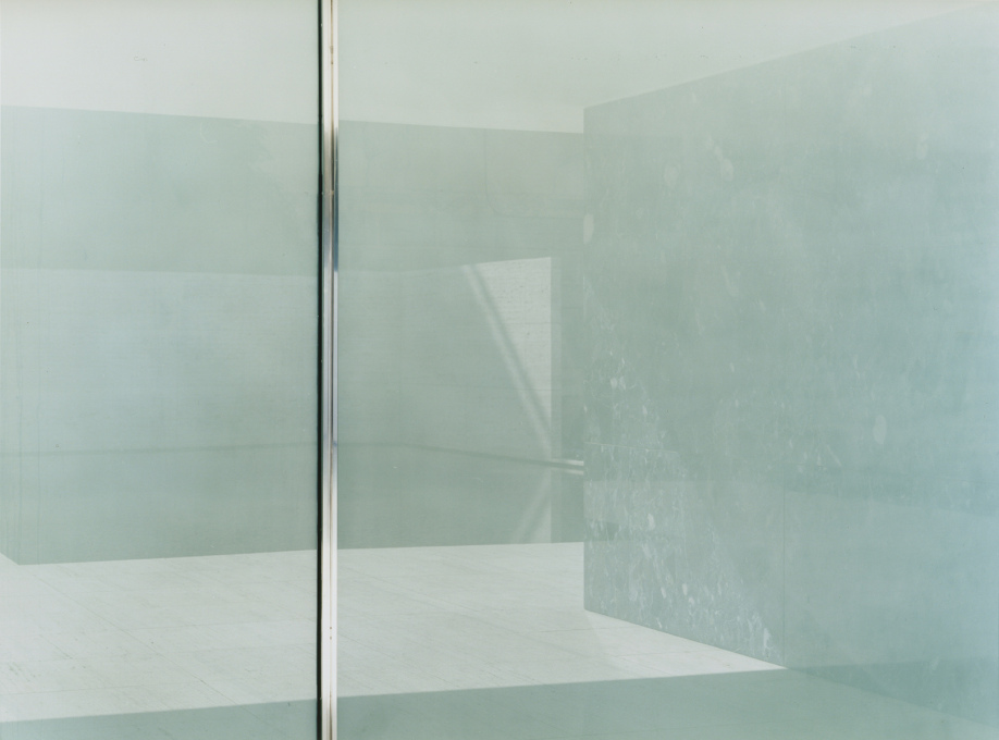 "In a glass darkly: the still emptiness of Mies' Barcelona Pavilion by Ola Kolehmainen: ""Less Less is More More"", 2006 (© Ola Kolehmainen, Courtesy: Gallery TaiK)"