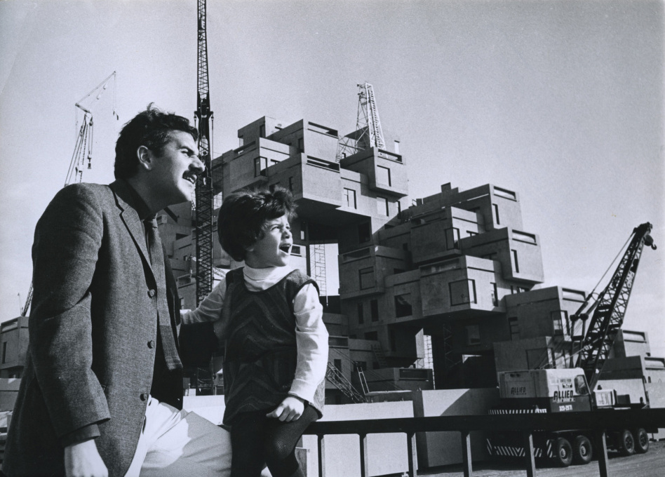 Moshe Safdie with his daughter Taal during the construction of Habitat 67.