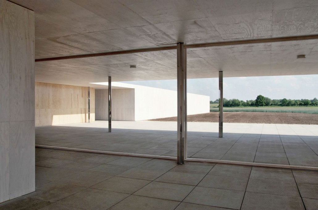 Where the original drawings lacked detailed information the architects chose to leave the building sketchy in acknowledgement. (Photo: Marc de Blieck, © Robbrecht en Daem Architecten)