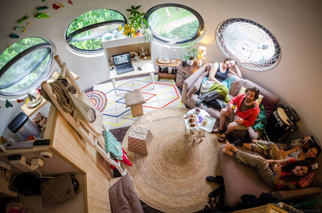 "The interior looks much like living a happy ""Barbapapa""-style life. (Photo: Super Formosa Photography)"