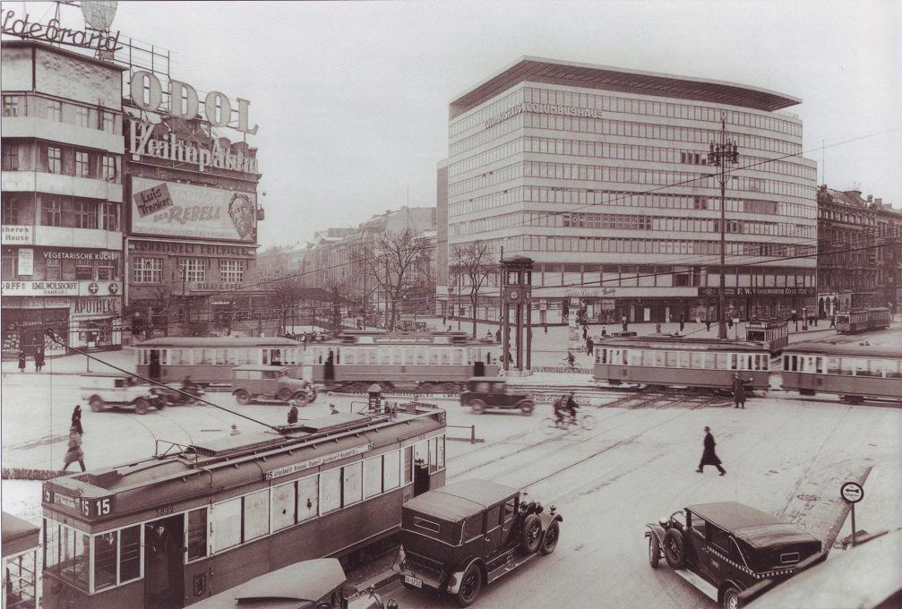 Frantic modernity. Mendelsohn's Columbushaus on Potdamer Platz, Berlin in 1932, a building where his own office was situated. (Photo: Wikipedia commons)