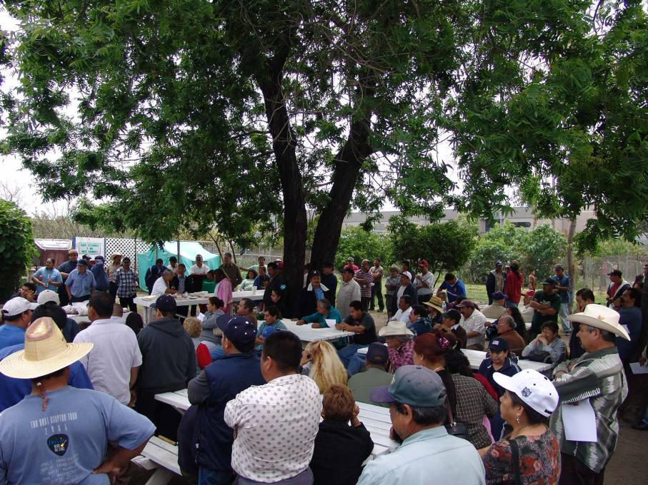 A community meeting in the South Central Farm. (Photo: Jonathan McIntosh)
