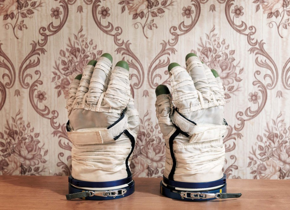 Sokol Space Glove (Photo: © Vincent Fournier)