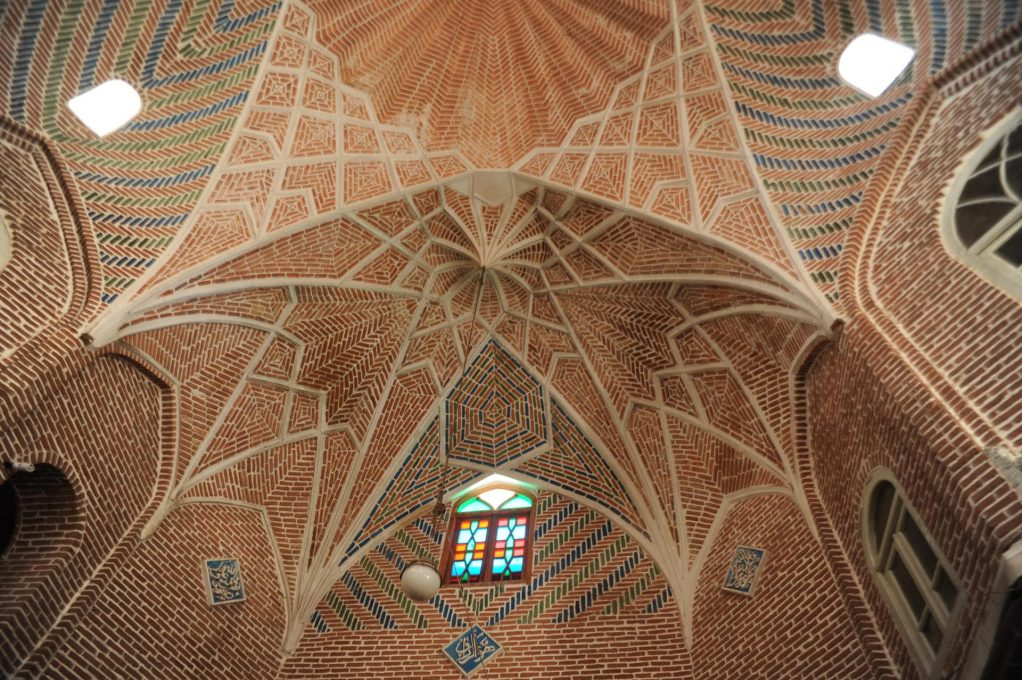 Tabriz Bazaar: Detail of the brick vaults, some of them over 200 years old. It is considered one of the largest brick complexes in the world. (Photo: Amir Anoushfar)