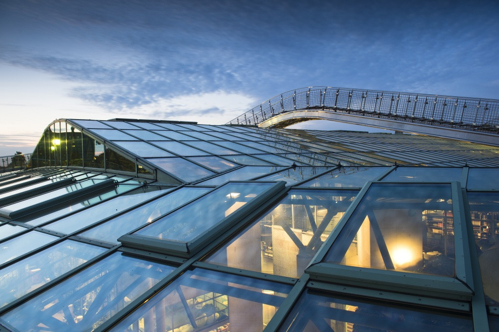 The glass roof above the main reading space, echoing the library's open access ethos. (Photo courtesy The University of Warsaw)