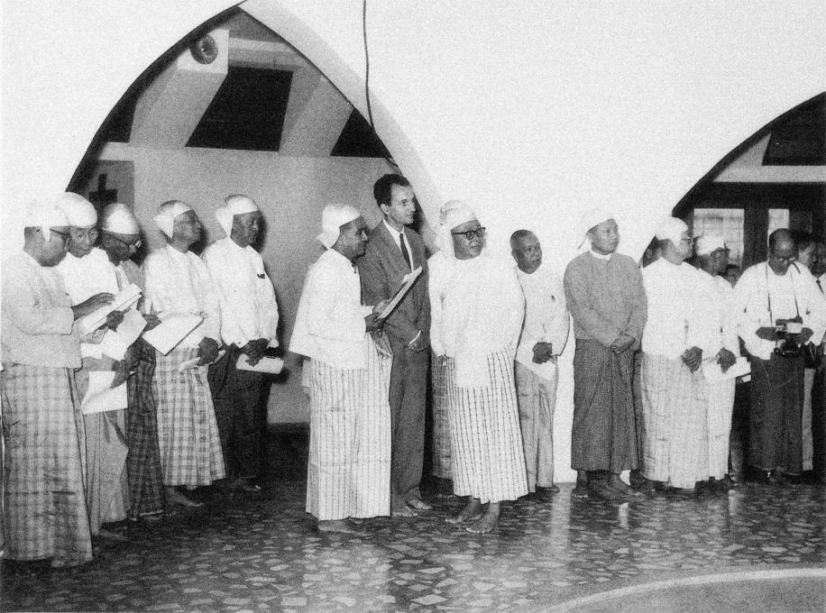 Benjamin Polk and U Nu standing in the main library rotunda. Burma's first post-independence prime minister was a devout Buddhist, using religion as an expedient tool for nation building. (Archival photos © Abhinav Publications)