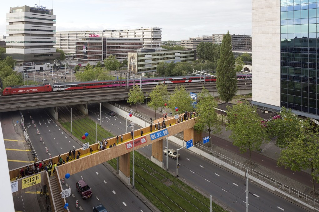 Protaganists of 'urban alternatives' such as Zones Urbaines Sensibles, who crowd-funded a bridge in Rotterdam will give talks… (© Zones Urbaines Sensibles)