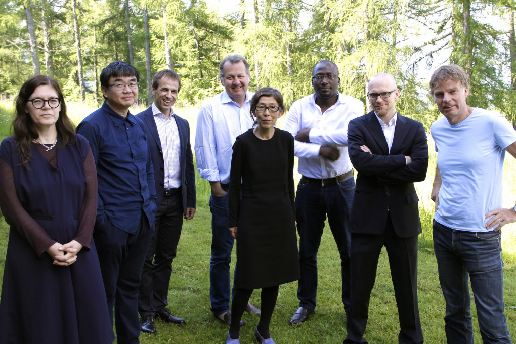 This year's Zumtobel jury, from left: Ute Meta Bauer, Yung Ho Chang, Harald Sommerer, Stefan Behnisch, Kazuyo Sejima, Kunlé Adeyemi, Brian Cody, Winy Maas. (© Zumtobel, Photo: Moritz Dirks)
