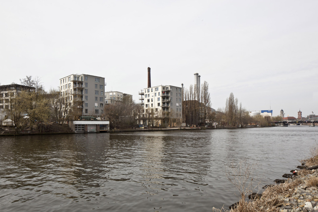 Spreefeld provides co-operative living directly on the River Spree, 2014. (Photo: Ute Zscharnt)