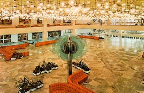 "The lobby of the Palast der Republik with its alleged 1001 lamps, which earned it the nickname ""Erich′s lamp shop"", after the East German leader Erich Honecker. (Photo: Incroyable)"