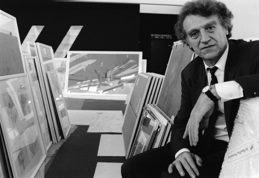 This is Heinrich Klotz. Educated as a philosopher and art historian, Klotz (1935-1999) spread his interests in the broadest sense... (Photo: Fred van Arkel, 1988)