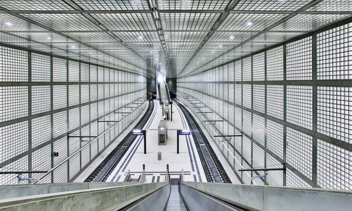 Architecturally the most ambitious of the four stations certainly is Max Dudler's Wilhelm-Leuschner-Platz... (Photo: Deutsche Bahn AG/Martin Jehnichen)