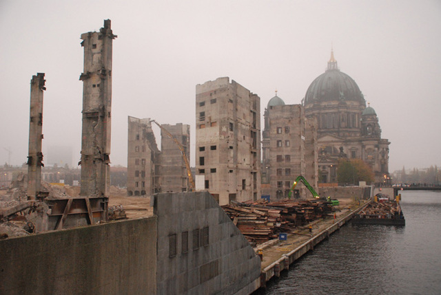 The demolition of the Palace continues, with nearly all the steel stripped off, ready for shipping, 2008 (Photo: imageshack)