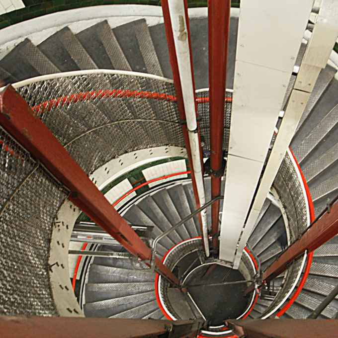 The spiral emergency stair at the Gloucester Road London Tube stop winds down a long 87 steps, though few in comparison to the 320 at Hempstead Station. (Photo: Alan Cleaver)