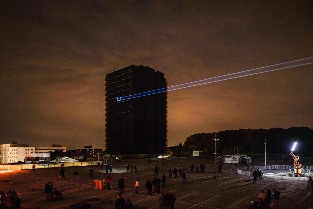 ... for a laser projection that revealed its inner structure. (Photo: Johannes Marburg)