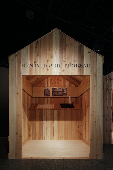 The display hut focused on Henry David Thoreau's celebrated cabin at Walden Pond, where he retreated to live the simple life. (Photo: Nacása & Partners Inc.)