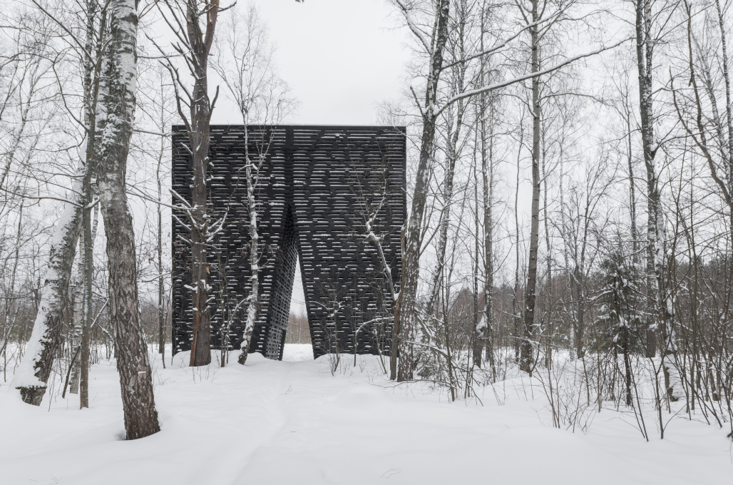 The structure's graphic shape stands out starkly in the winter months. (Photo: Yuri Palmin)