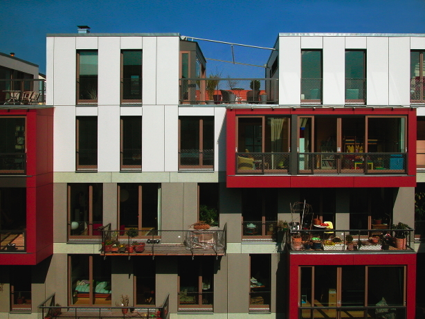 Co-op housing project: Wohnetagen Steinstrasse, Berlin-Mitte, 2004. (Photo: carpaneto.schöningh architects)